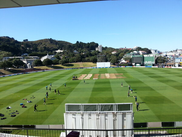Great day for it :-) @BLACKCAPS training underway now at the Basin #nzveng ^RI http://pic.twitter.com/TuiLcJNqZt
