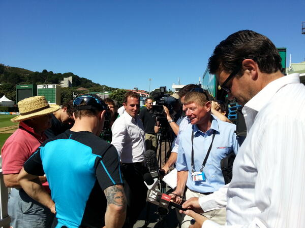 Brendon McCullum meets the press #nzveng ^RI http://pic.twitter.com/XIXAmzeeSe