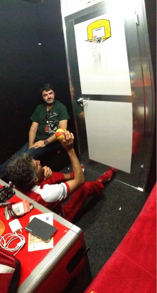 Fernando Alonso, F1  BFOaSFhCIAAItHL