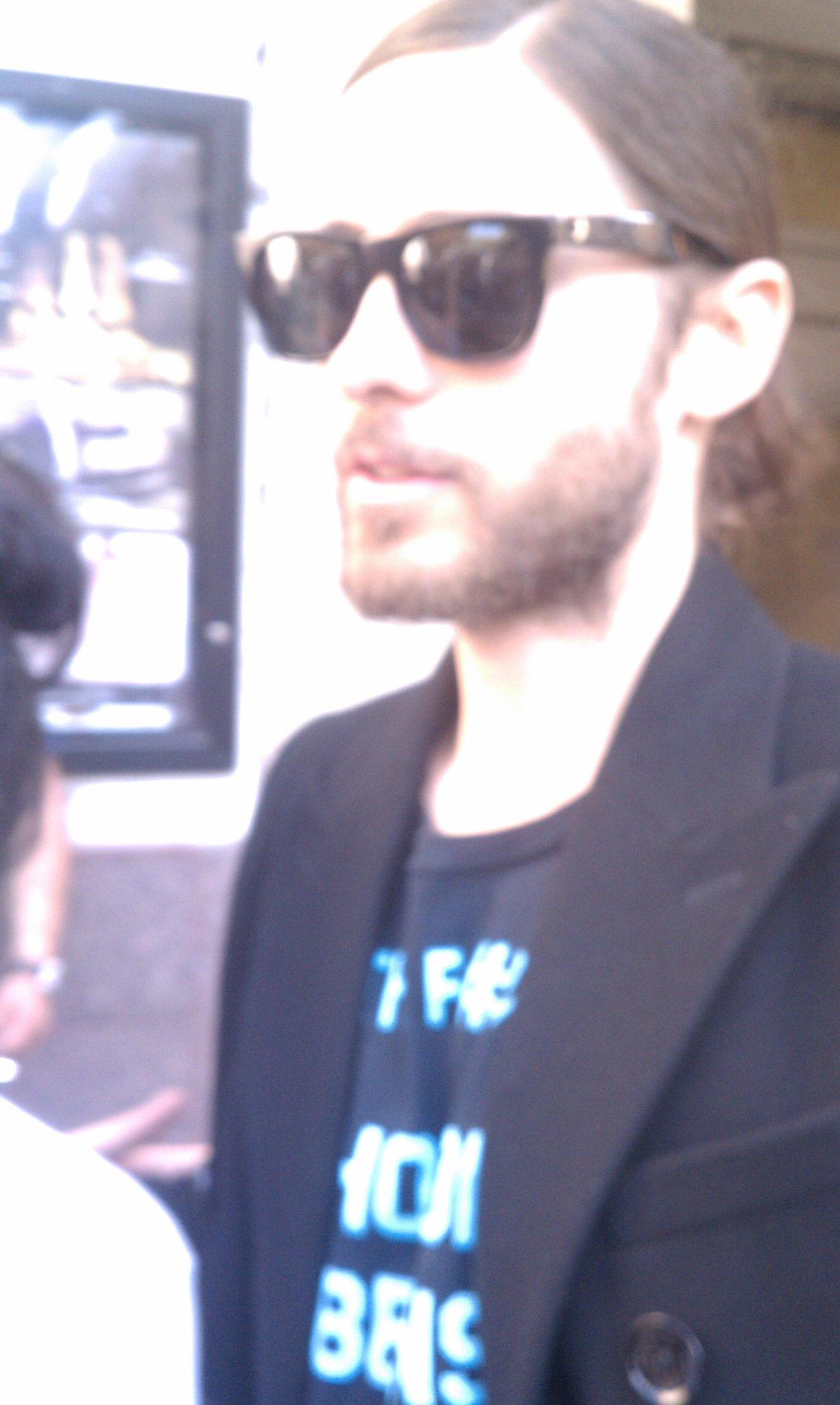 13 mars 2013 Jared au SXSW pour Artifact à Austin BFRGSijCEAAnKCx