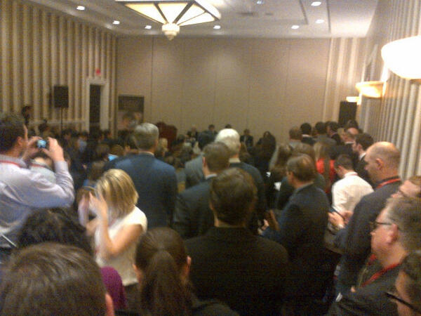 Standing room only crowd at the gay rights panel at #CPAC2013 http://pic.twitter.com/PI33YkNsNk