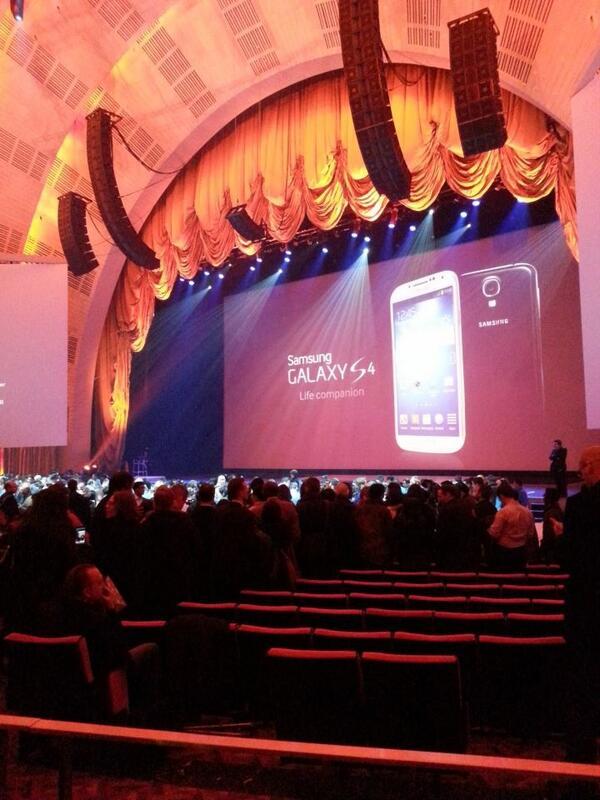 Twitter / MacJordaN: Samsung Galaxy S4 launched ...