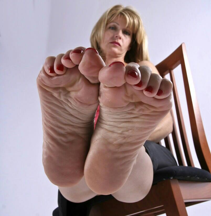 Sexy Milf Toes 96