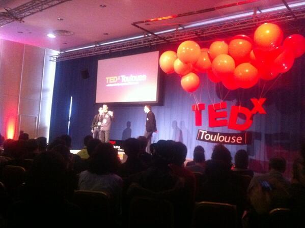 Les trois mousquetaires sur scène, now!! #TedxToulouse http://pic.twitter.com/L71jzhanSx