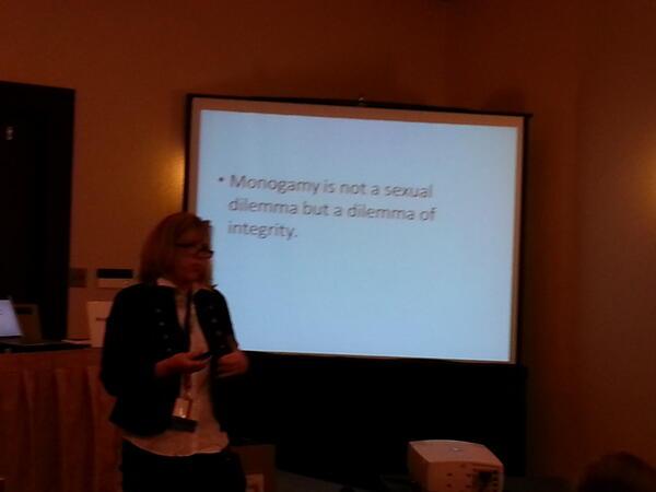 The New Monogamy with Tammy Nelson, PhD. #ccon #cconmonogamy http://pic.twitter.com/m3KV2ZVJKZ