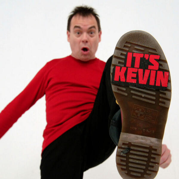 It's Kevin!! Kevin Eldon's sitcom #ItsKevin is starting any moment now on BBC Two bit.ly/ItsKevin pic.twitter.com/Umco9Folou