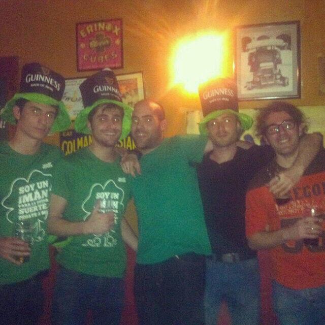 En #StPatricksDay dandolo todo con @Juamax @Didacusion @alvarofernand23 @Guinness_Spain http://t.co/BV6kws3ln2