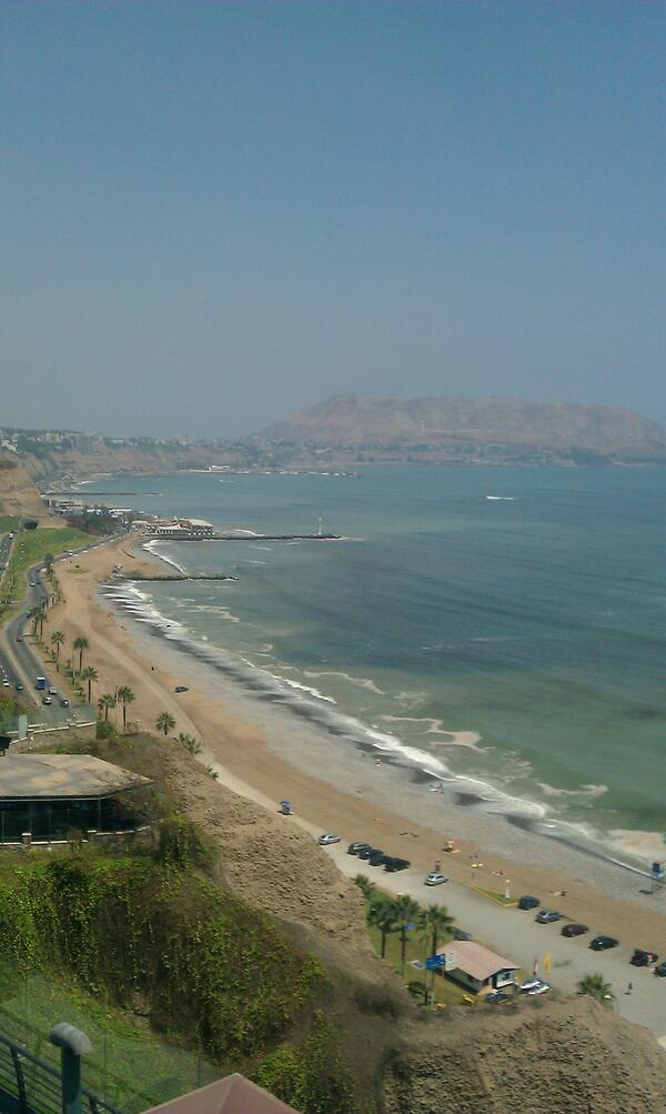 the pacific ocean welcomes us to lima #RossMAP #Team203 http://pic.twitter.com/Q8XVSfmVh6
