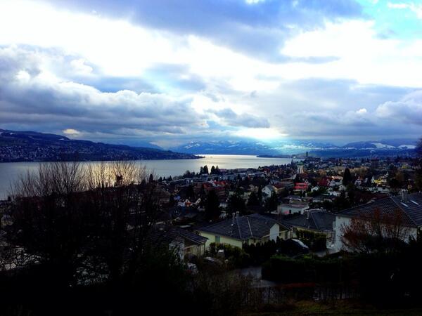 guten morgen #zürichsee #gdi #internettag http://pic.twitter.com/kILGPJMiSX