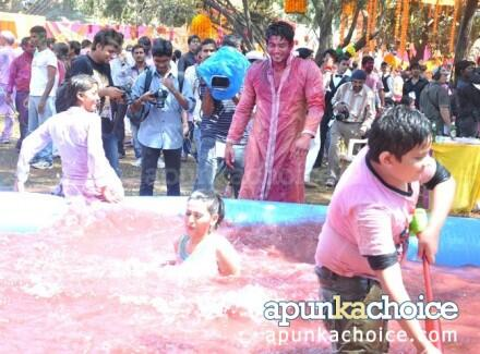 In response to this tweet by @sardesairajdeep https://twitter.com/sardesairajdeep/status/311486016450088960 prsntng few pics of Holi party of @ColorsTV 1/n http://pic.twitter.com/laNz0CvgH5