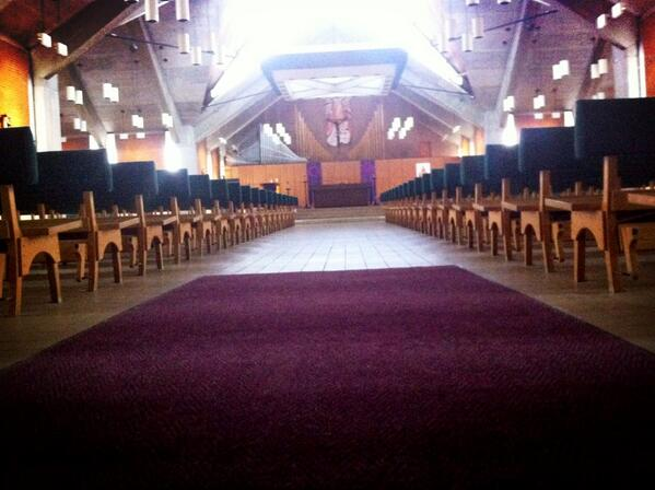 #smcvt is a Catholic College founded by the Edmundites in 1904. The chapel holds about 1,000 people. #smcvttweettour http://pic.twitter.com/BMx4WnHqiW