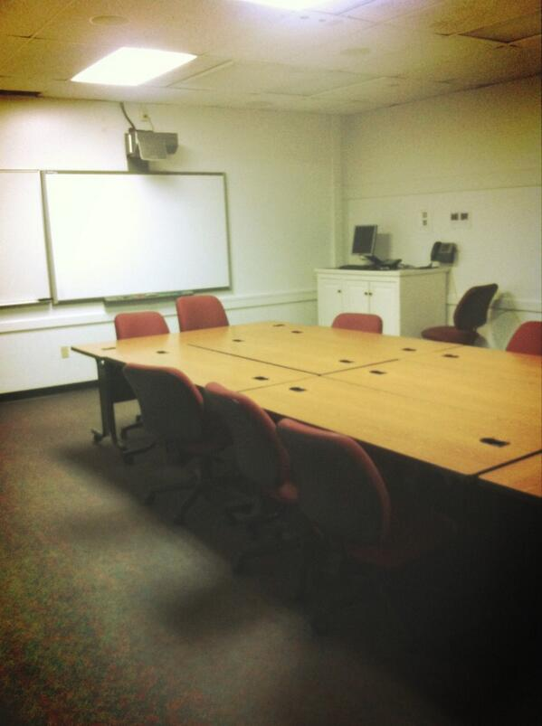 There is an average class size of 19. I've had classes of 4. This is where I had Intro to Writing. #smcvttweettour http://pic.twitter.com/Jne90icghc