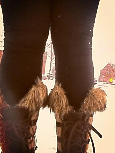 This #smcvttweettour brought to you by my awesome Sorels without which I would not have been able to survive. #vt http://pic.twitter.com/XyrCpjqBrZ