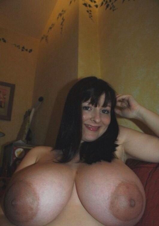 mujeres en tetas pezones gigantes