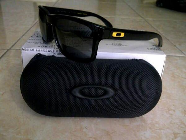 Authentic Oakley Holbrook