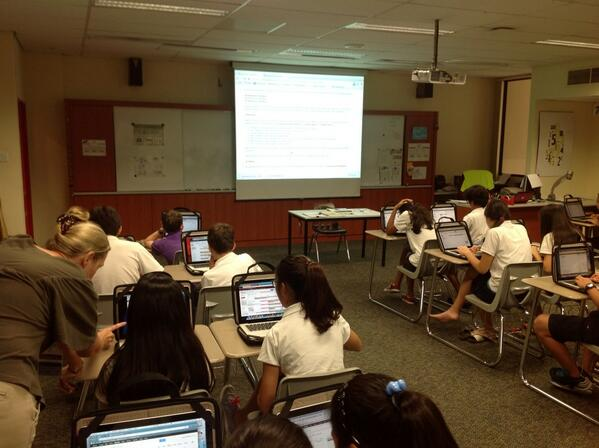 Mrs. Murgatroyd leading a bootcamp session on productivity and organization. #sasedu pic.twitter.com/P56go3EUsd