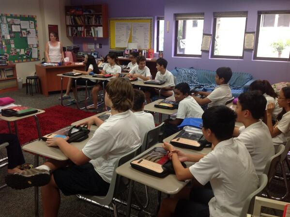 Ms. van der Hiel and students discussing what makes a good blog post. #sasedu pic.twitter.com/2xZiTeW7Hu
