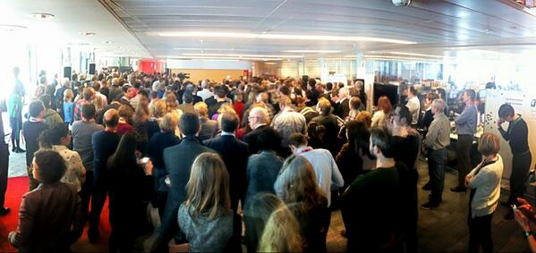 Staff congregate in Broadcasting House to listen to Tony Hall (he's at the back of the shot - really). pic.twitter.com/ogpuWGDO3u
