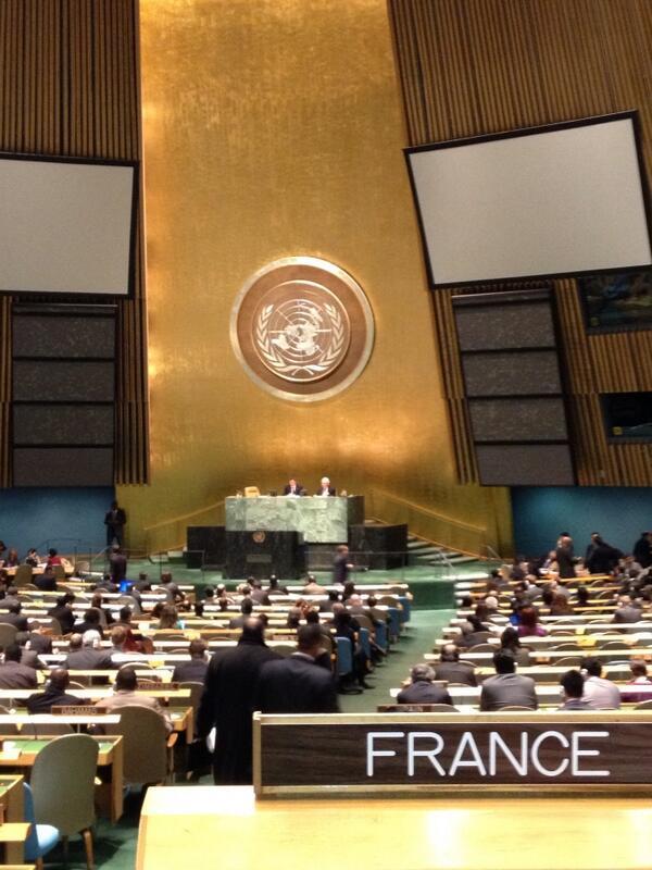 LT #ONU - Vue depuis le banc de la #France, l'#AGNU s'apprête à voter pour réguler le commerce des armes #ArmsTreaty http://pic.twitter.com/oOHRz8jyES