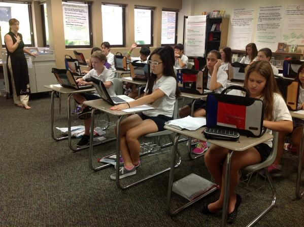 Ms. Huntington and 7th grade bloggers blogging away in RLA class, bootcamp day two. #sasedu pic.twitter.com/80LEXXuthi