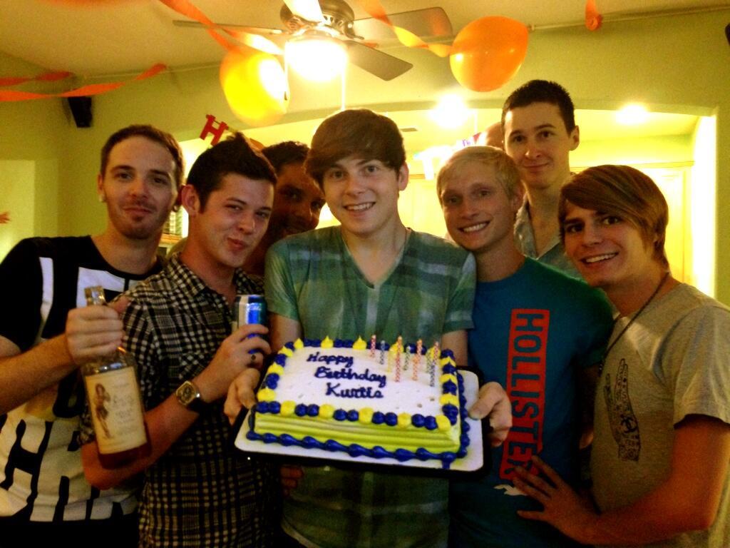Kurt Summers On Twitter Quot Sexyalex90 Kurt S Having A Fun Birthday Jbpxxx