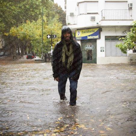 Una de las imágenes de #LaPlata #temporal pic.twitter.com/Z0QlUZz4zn