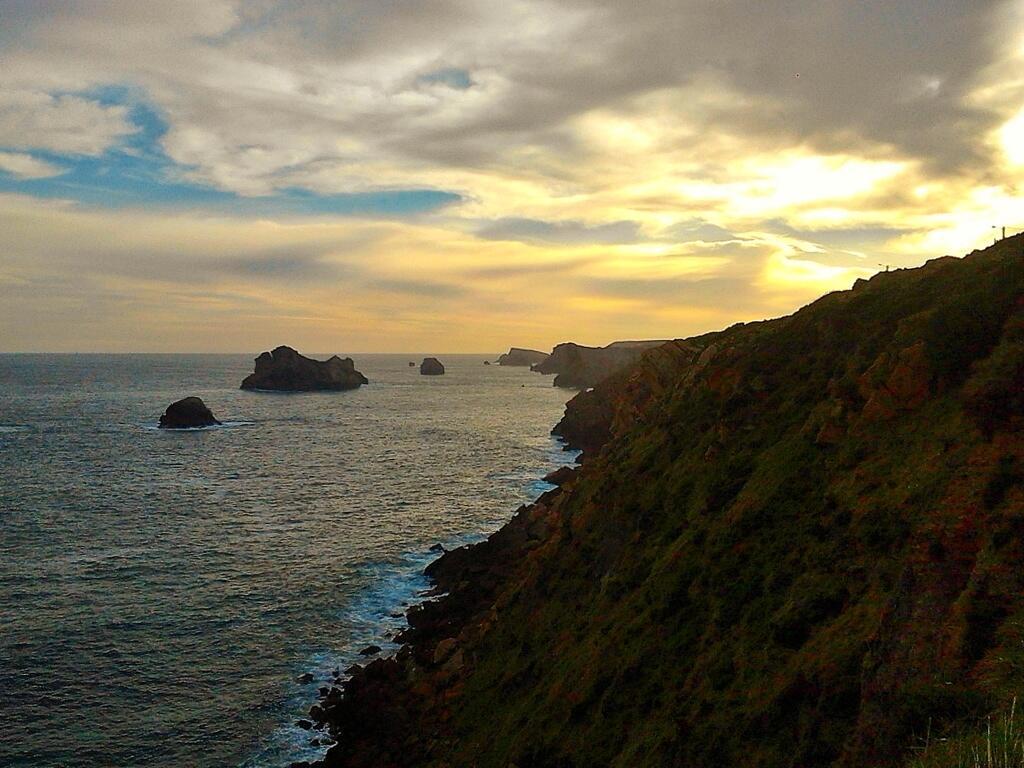 Twitter / miguelamiguelez: Costa de #Liencres.... hoy.. ...