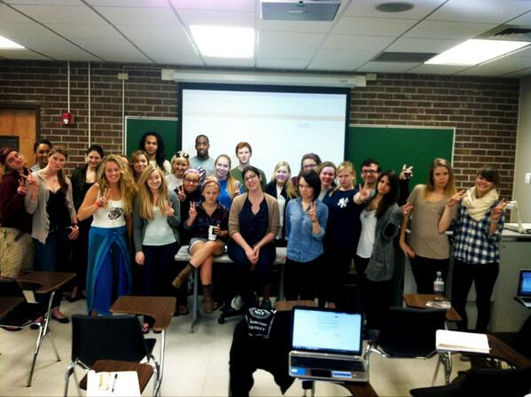 Greetings from my First Year Seminar Class taught by Professor Hladky! She's in the middle! #peace #duckface pic.twitter.com/oo7SIR8KX3