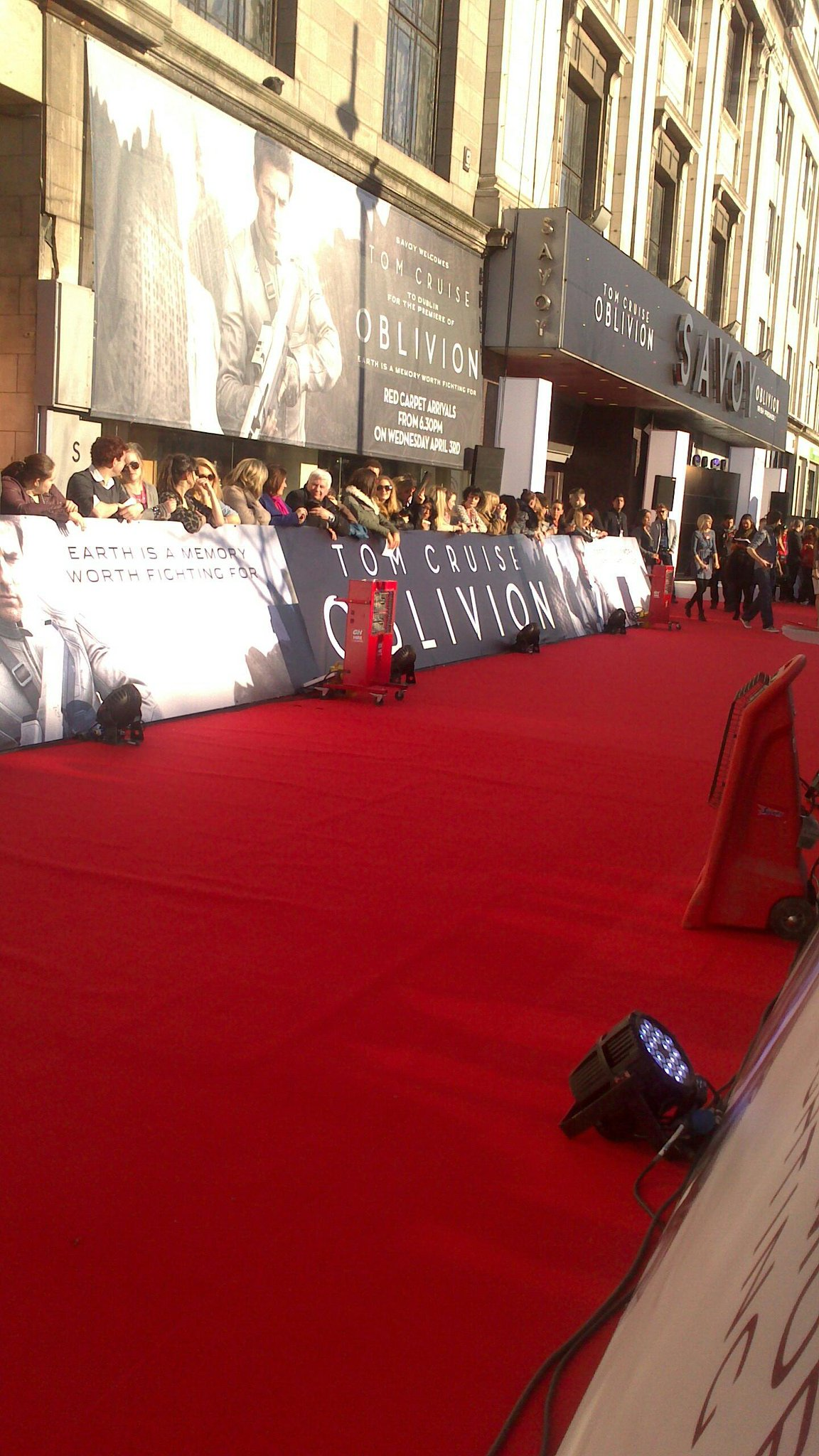 Twitter / orla_oleary: At the premiere at the front ...