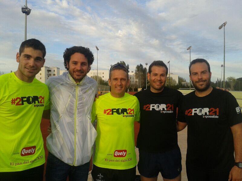 Twitter / galletas_quely: Nuestra pareja de runners apoyada ...