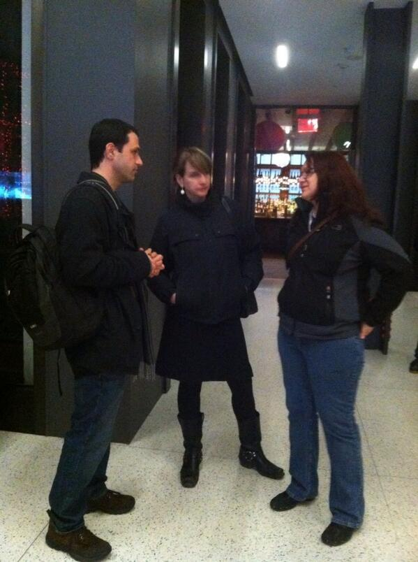 @DanaBennis chatting with #itournyc participants @goodIDEAfolks pic.twitter.com/qBXvvbZF01