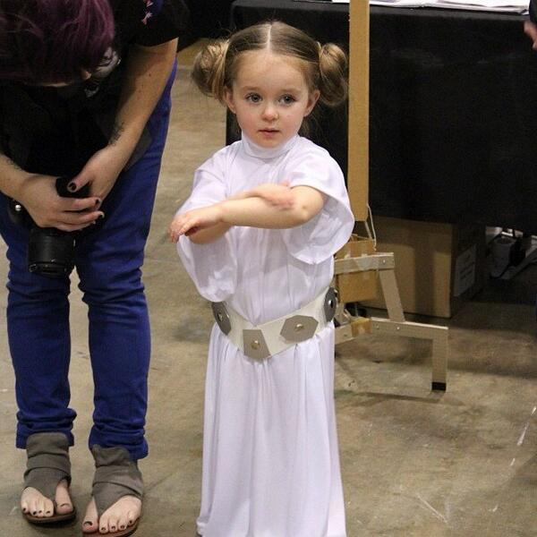 """ Little Princess Leia from #StarWars "" "" Absolutely Adorable "" http://t.co/Covf4xqzM8"