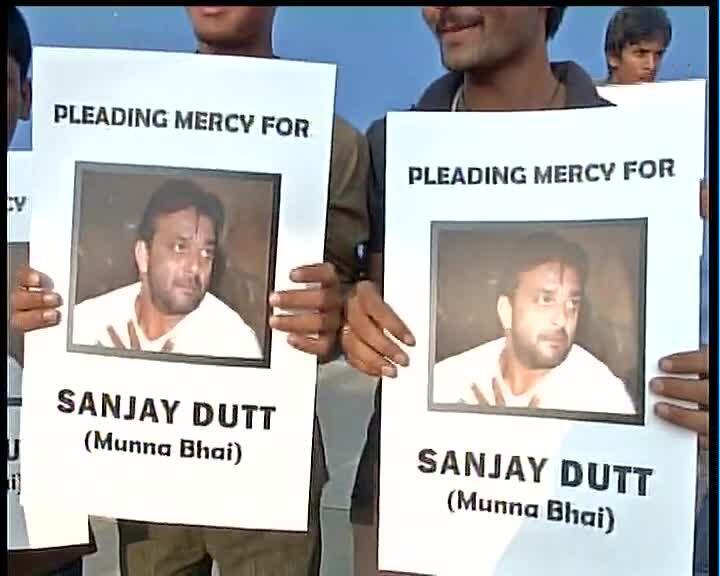 Twitter / ANI_news: Sanjay Dutt fans in Bangalore ...