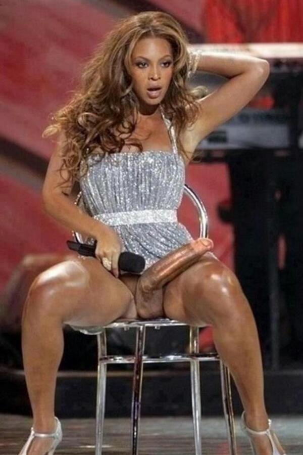 Beyonce topless