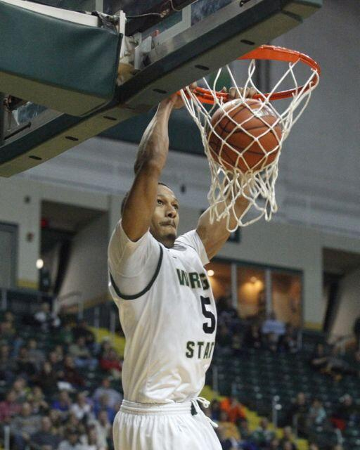 Miles Dixon led Wright State with 14 points tonight, including this dunk in the first half. #wsuraiders #cbitourney http://t.co/9NCdj4Dqku