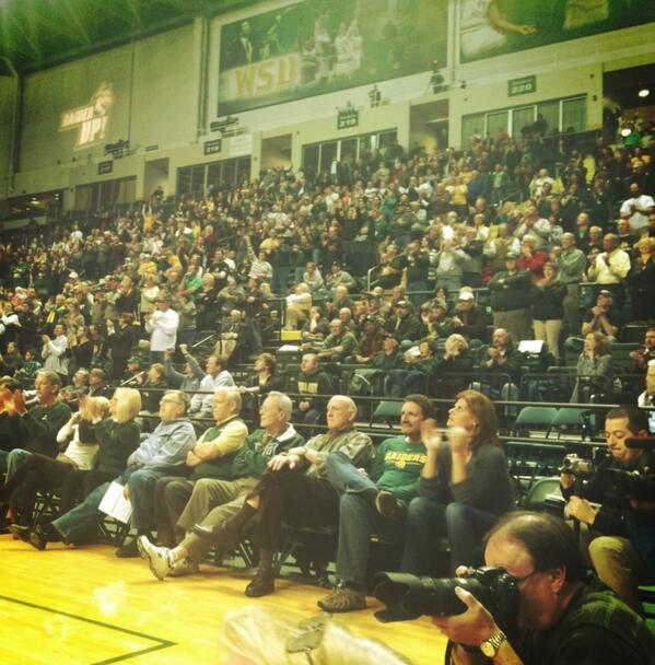 A crowd of 4,000 was on hand to watch the @WSURaiders advance to the semifinals of the @cbitourney - - - @wrightstate http://t.co/ldYPasESZe