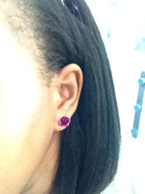 @SitawaWafula Do purple earrings count :-) Supporting #PurpleDayKE http://t.co/1xnD755C79