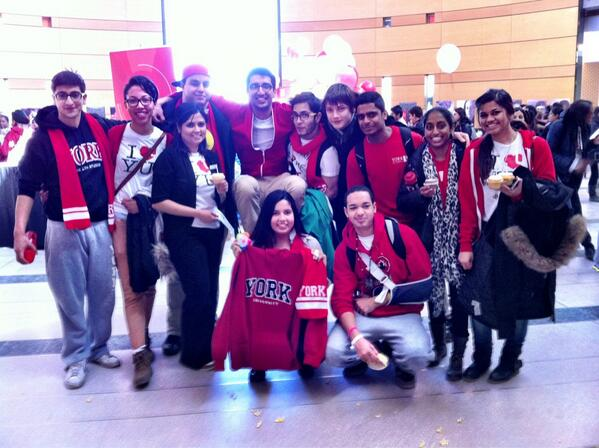 LeaderShapers at Red and White Day! #yuspirit http://t.co/ygblJBi1B6