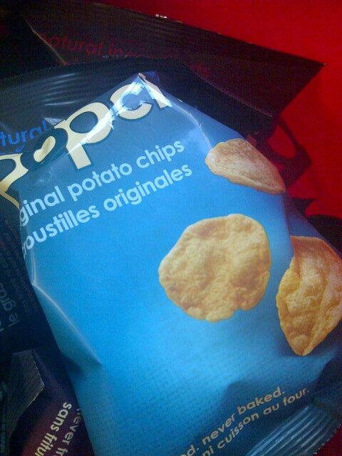 Loved that @popchipsTO sampled ketchup chips for #RedAndWhite day. #YUSPIRIT #yorku http://t.co/CyCGaLPf51