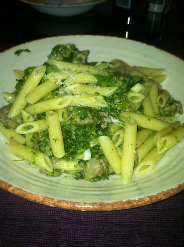 Pasta with sausage, broccoli rabe and shredded pecorino cheese... #FatKidTweet http://t.co/HY9btPaGrf