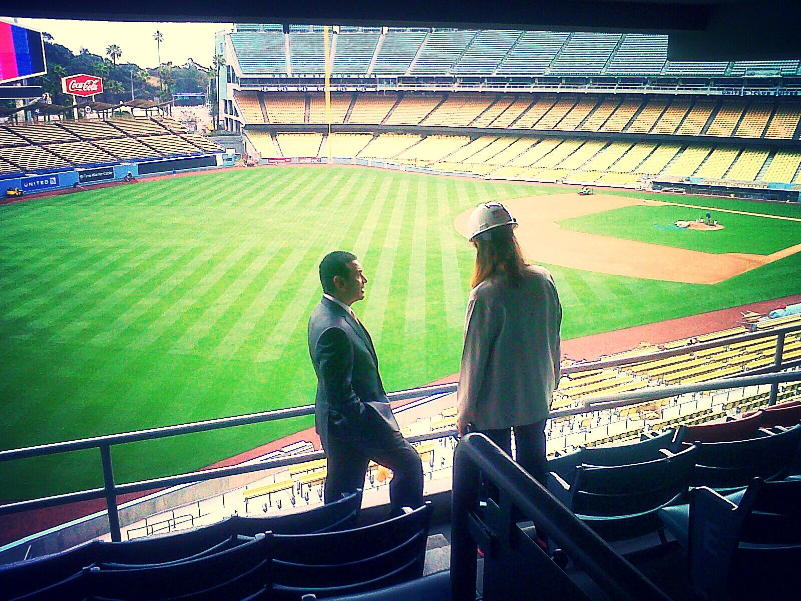 Twitter / LAMayorsOffice: Mayor #Villaraigosa checking ...
