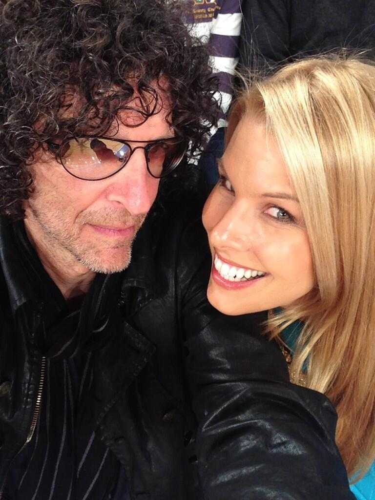 Howard Stern is at the #Knicks Game w/ Wife Beth Stern and Chris Rock [Pics]