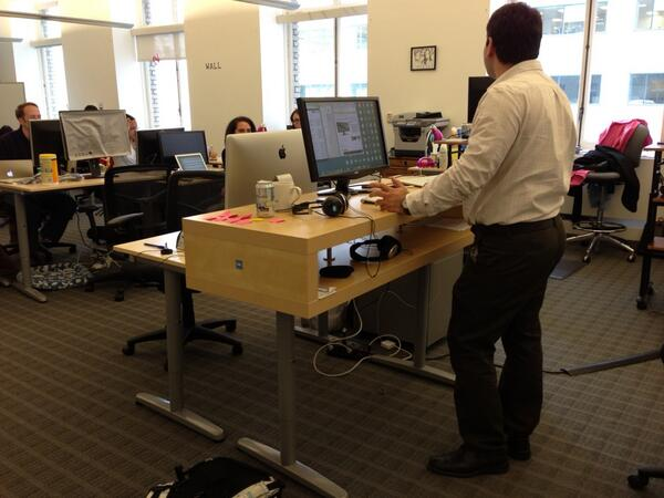 Kamal on twitter standing desk ikea hack at viki lack for Ikea galant bureau debout hack