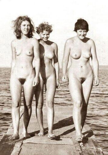 фото голая меркель ангела
