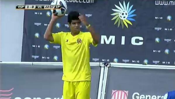 Carlos Martínez en prueba con el Villareal