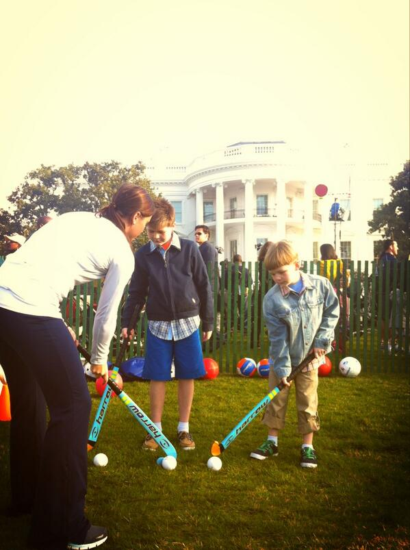 Good morning from The White House! Julia showing some youngsters the game #EasterEggRoll #growthegame @FitnessGov pic.twitter.com/6aIuMMHK4Z