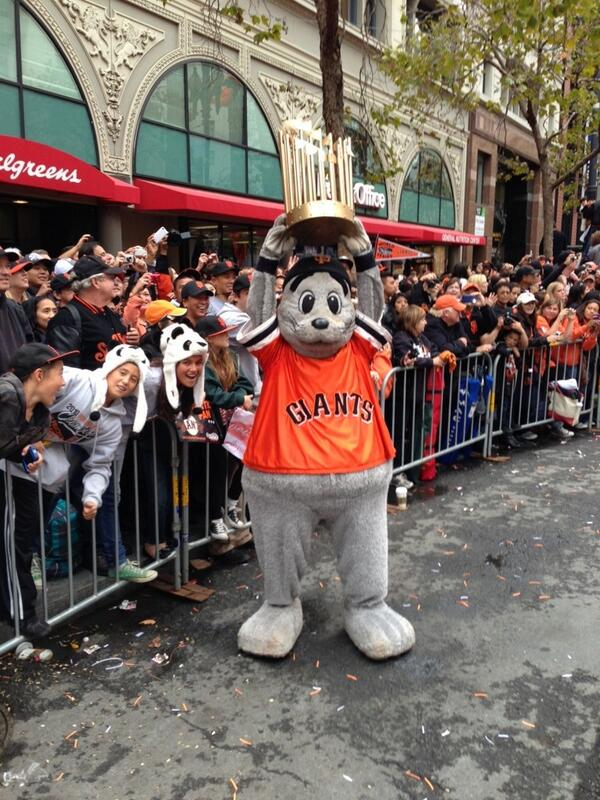 Happy Opening Day! Another season of being the reigning World Champions! Go #SFGiants!!! pic.twitter.com/XRC6lEuSkO