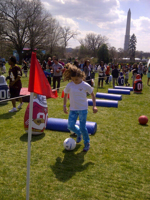 Cruising the Obstacle Course at #EasterEggRoll #LetsMove. #Healthy100. Thanks #Flotus for a great day! #WHsocial pic.twitter.com/unsX5UhMWa