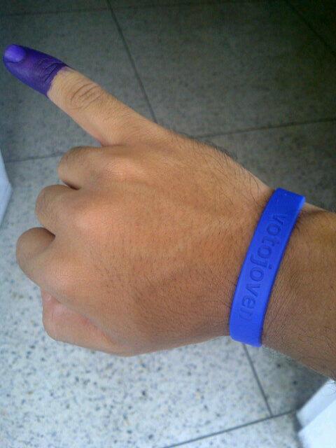 Amigos de @VotoJoven @VJ_Lara Que gratificante es expresar mediante el voto mi pensamiento diferente pic.twitter.com/d3PuFVLaSt