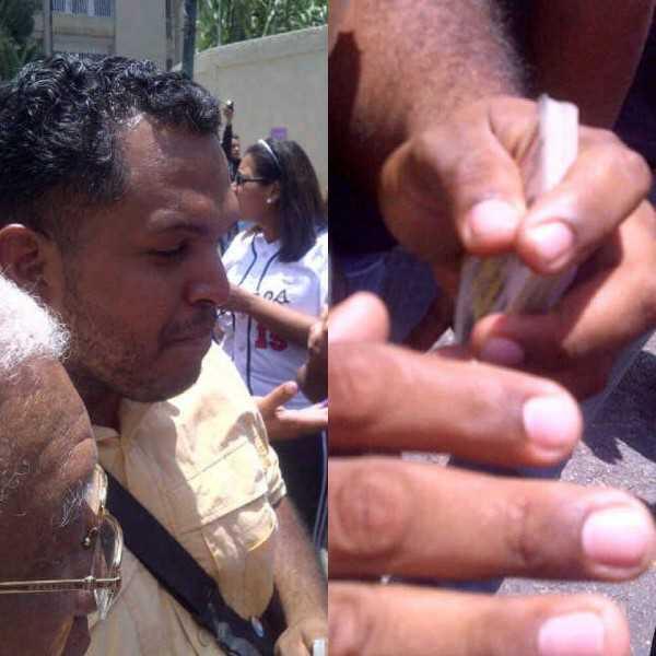 (portando 40 cédulas) CUBANO MULTICEDULADO CON EL DIPUTADO SIERRA pic.twitter.com/eNPVmHPkbT
